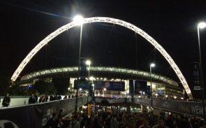 Wembley bei Nacht
