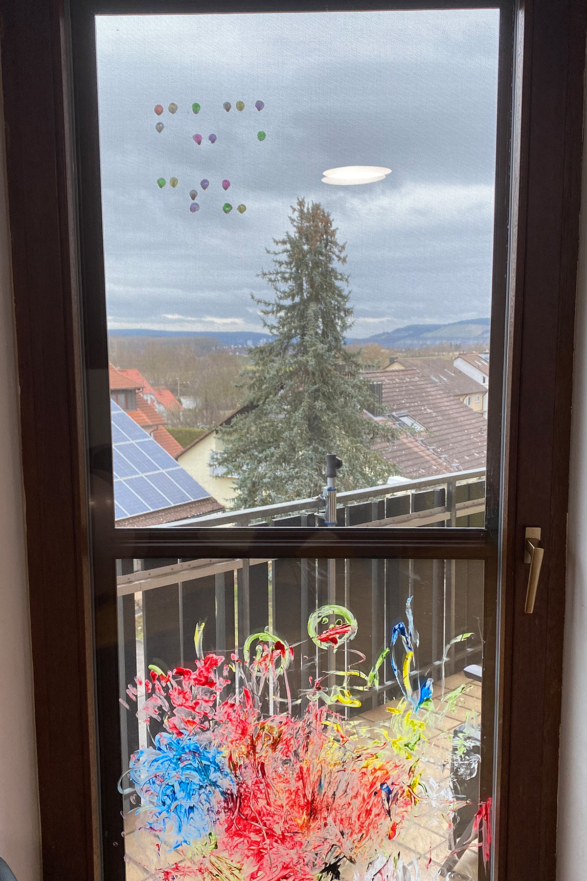 Fingerfarben, Blindenschrift, Fenster, Fuck Kalle
